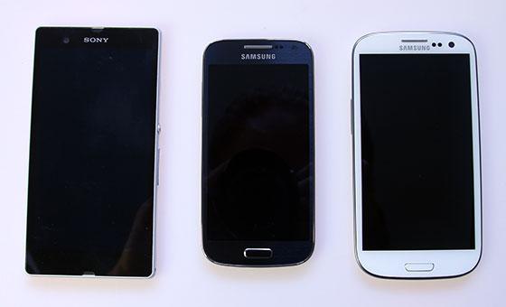 Van links naar rechts: Xperia Z, S4 Mini en SIII