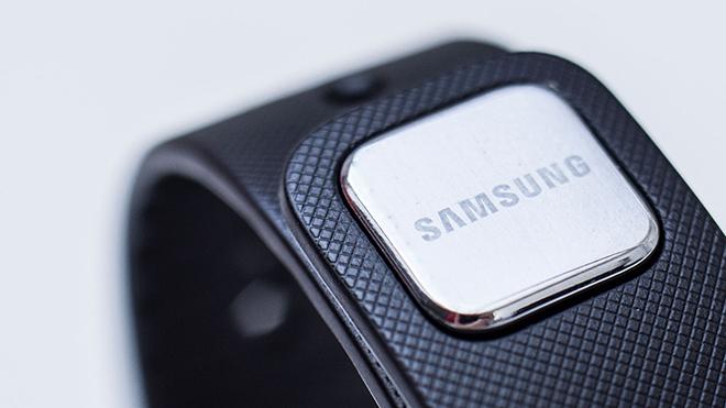 Samsung-Gear-Fit-Drukknop
