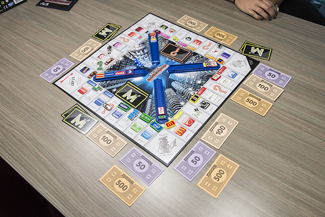 Hasbro Monopoly Empire Refresh Opstelling