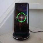 Momax Q Power Pro met Huawei P30 Pro