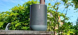 Sonos Move op een Ofyr BBQ
