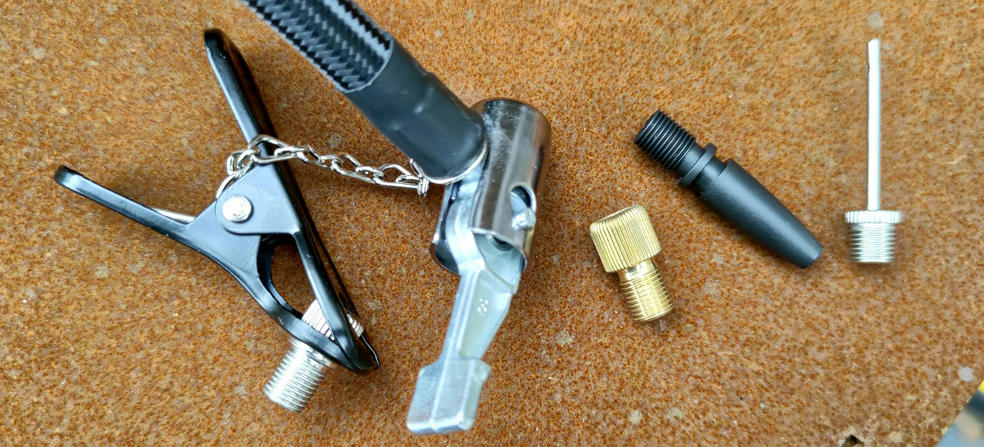 Meegeleverde ventiel adapters