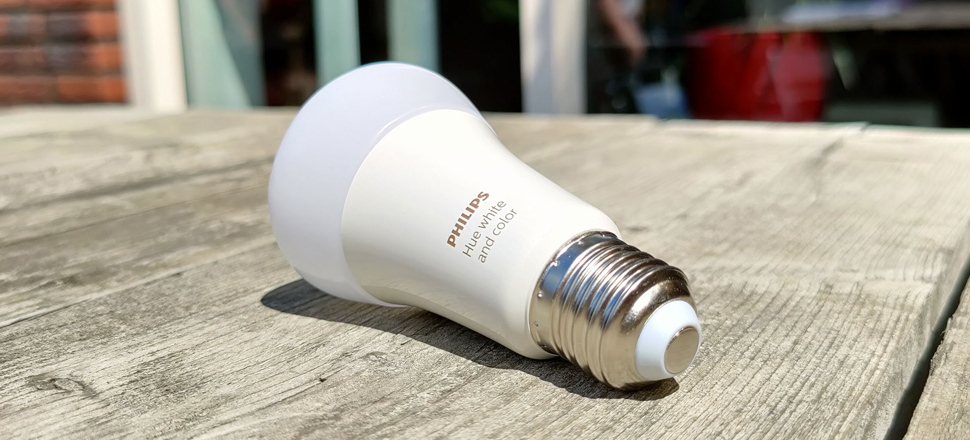 Philips Hue White and Color E27 Lamp