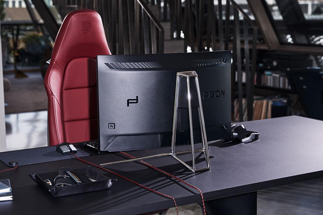 Porsche Design X AOC Agon PD27 Monitor Achterkant